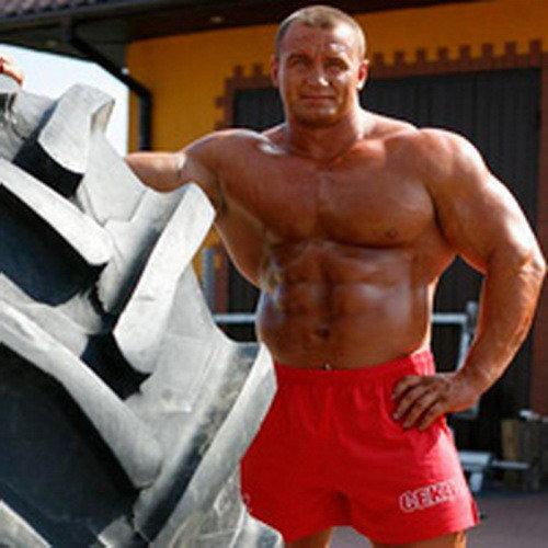 Мариуш Пудзяновски - самый сильный человек мира.